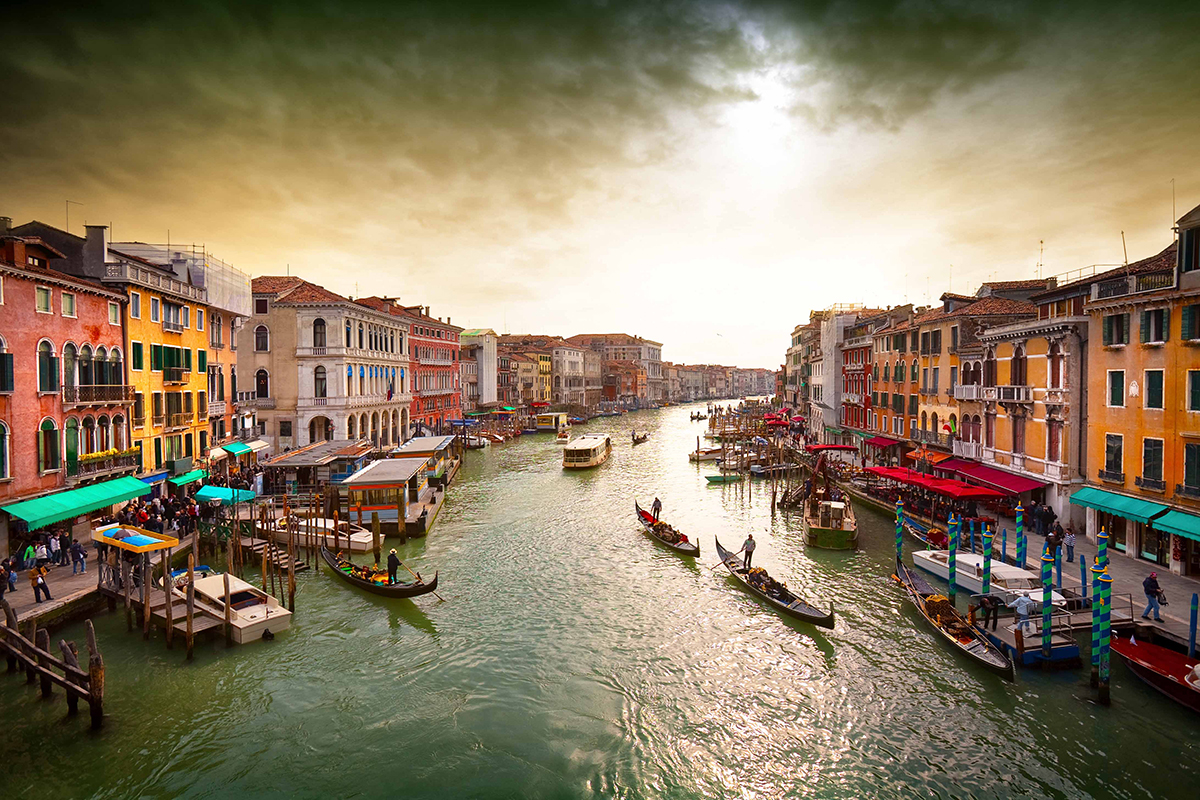 Canals-of-Venice2
